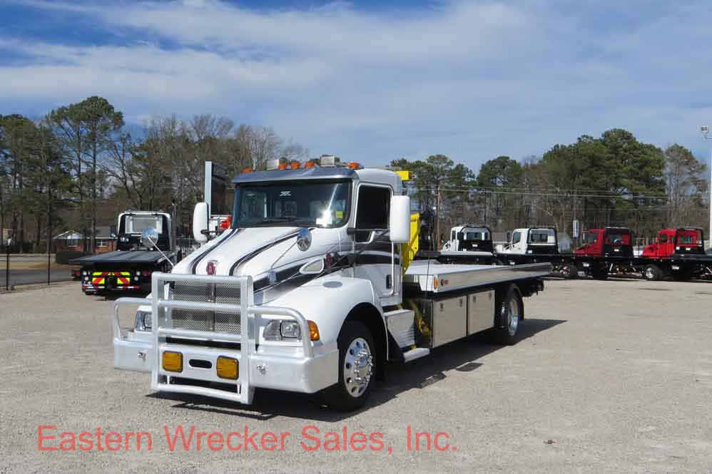 2008 Kenworth T300 With 21 Century Side Pull Recovery